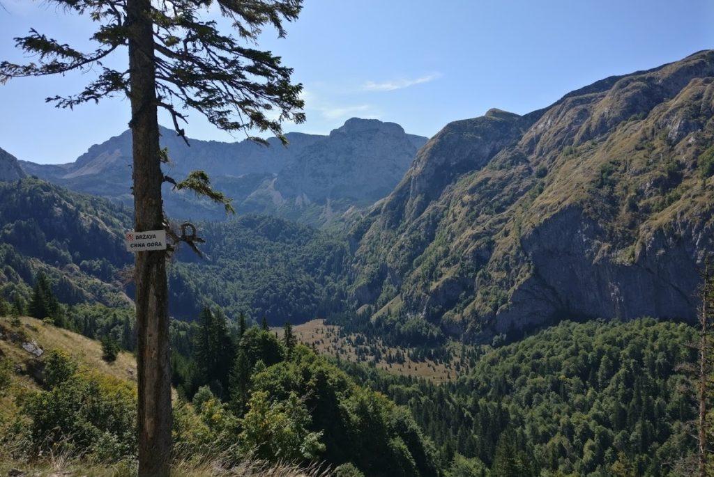 trnovacko lake hike bosnia montenegro border